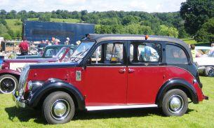 1965-beardmore-london-taxi