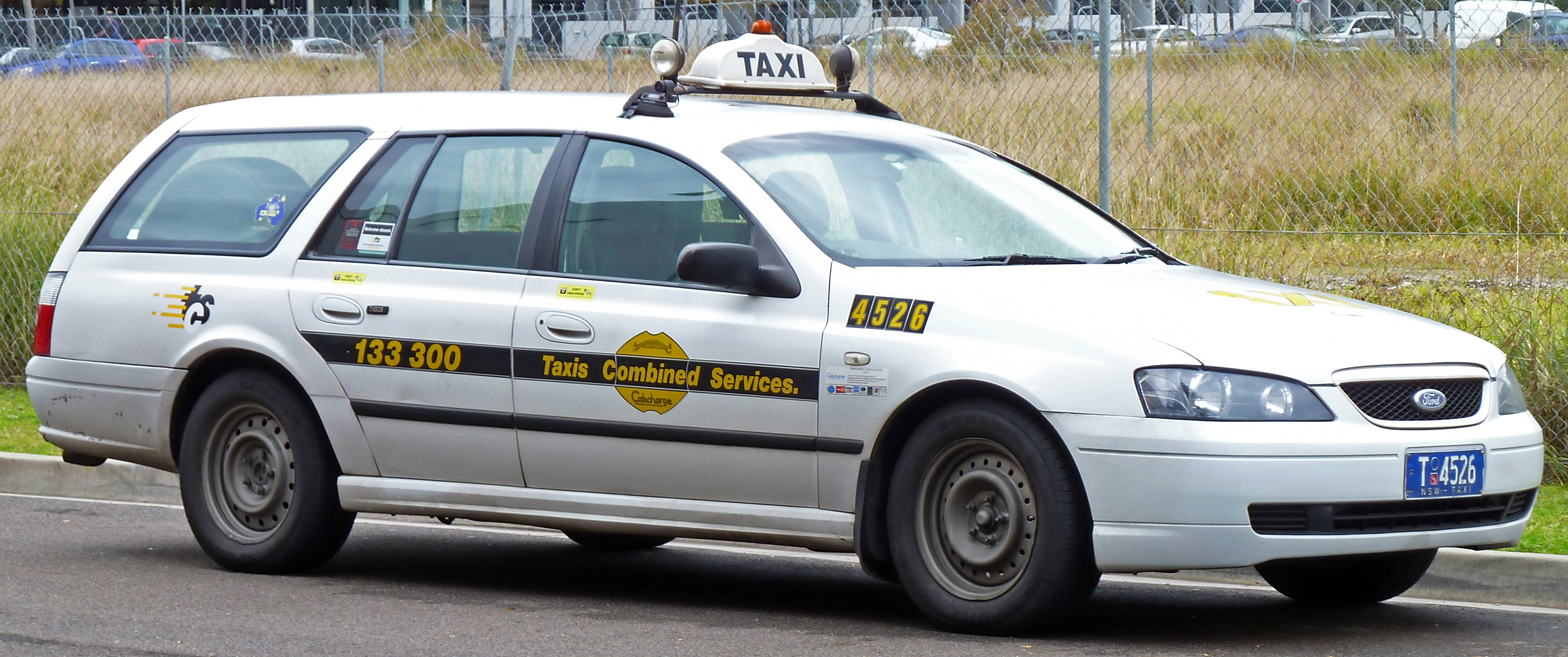 2002-2004_Ford_Falcon_(BA)_XT_station_wagon,_Taxis_Combined_taxi_(2010-07-10)